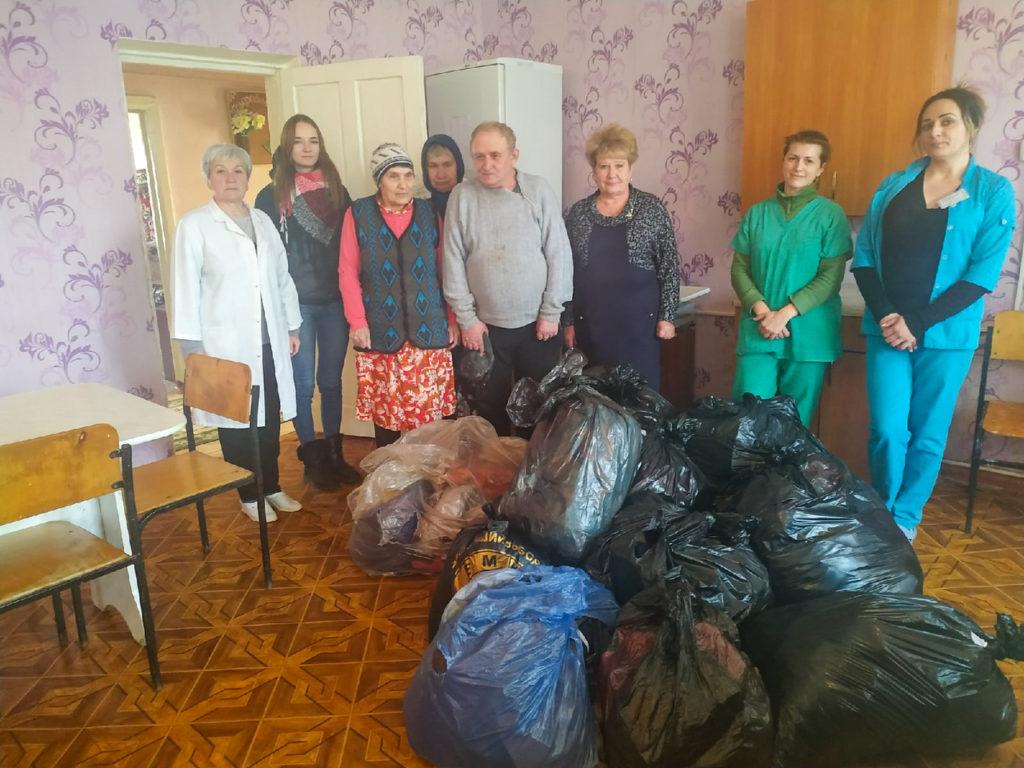 Активисты проекта «Волонтер» передали помощь в Перевальск 2