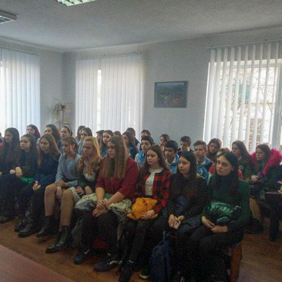 Обучающие курсы для волонтёров состоялись в Красном Луче 3