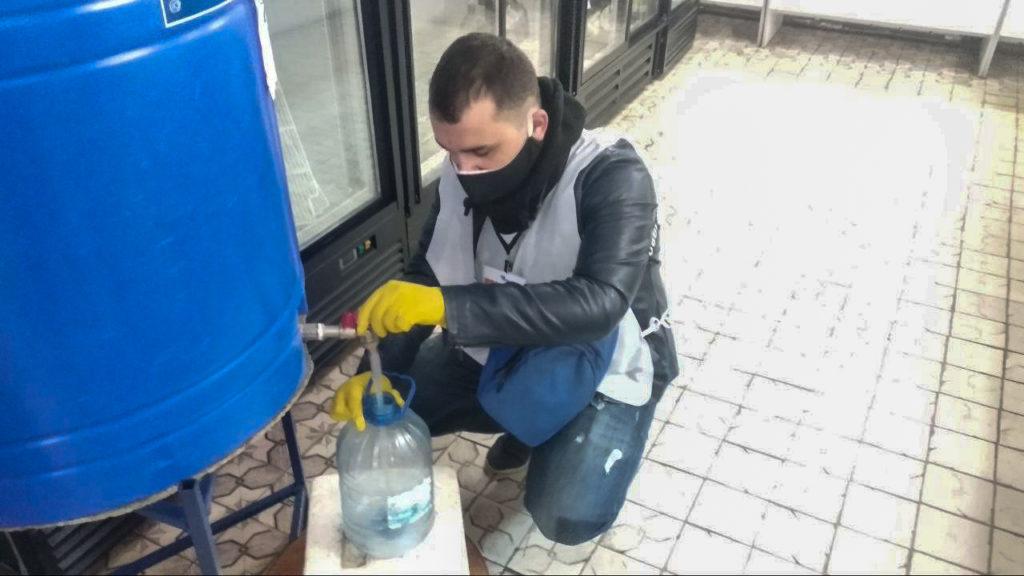 В Стаханове помогли жителям в рамках акции «Рука помощи» 3