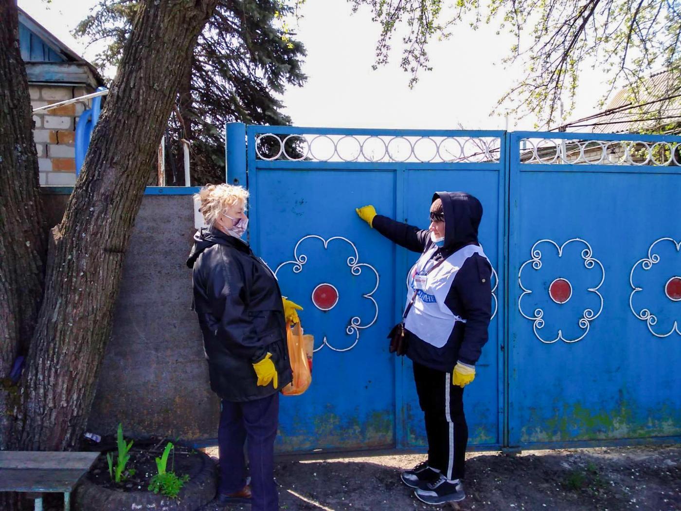 Волонтёры ОД «Мир Луганщине» помогли жителям Славяносербщины