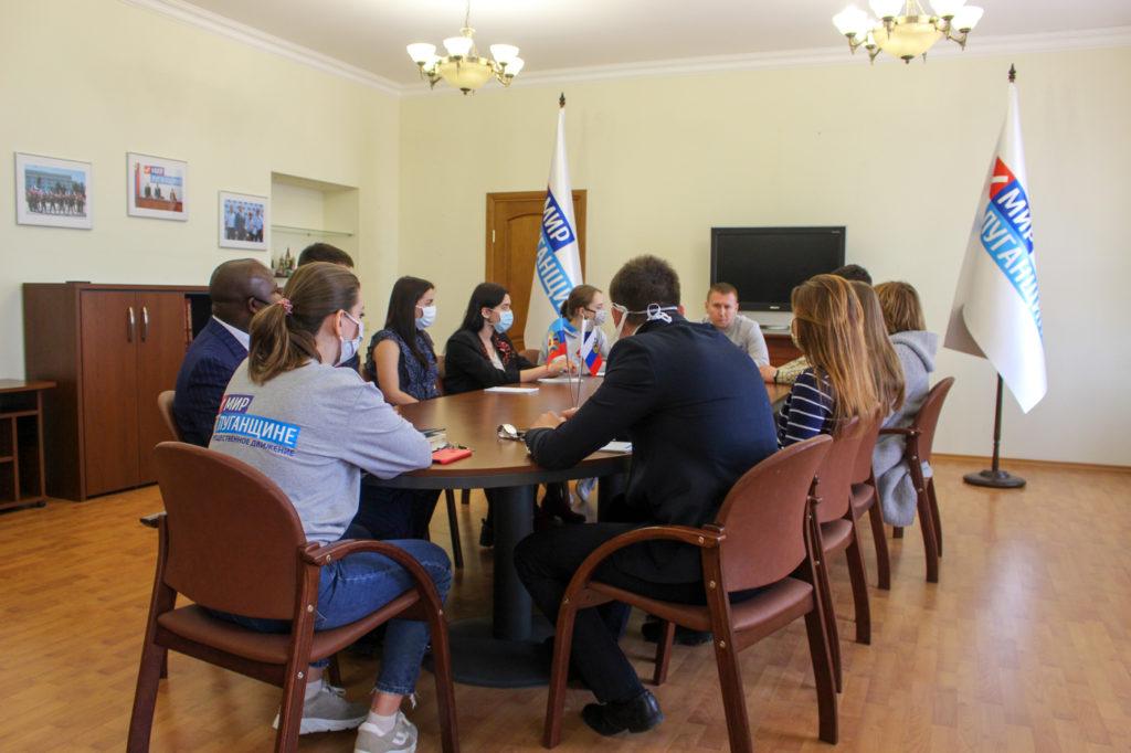 Денис Мирошниченко принял участие в акции «Рука помощи» 1
