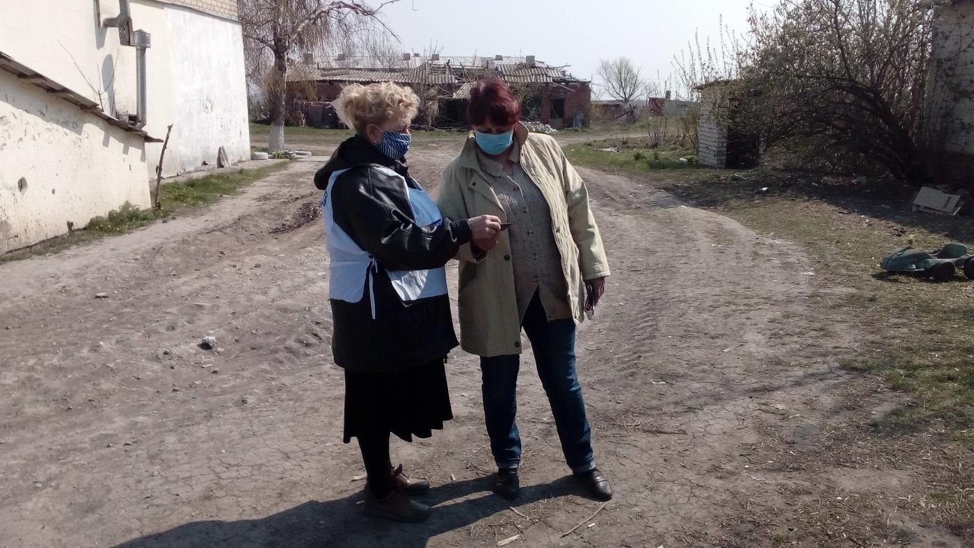 Активисты ОД «Мир Луганщине» проинформировали жителей Славяносербска о горячей линии по борьбе с наркотиками 1