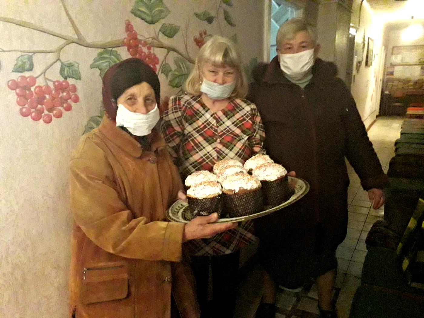 Активисты ОД «Мир Луганщине» провели акцию «Пасхальная радость» в Брянке