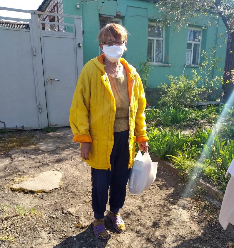 Волонтёры Луганска помогли пяти жителям города 1