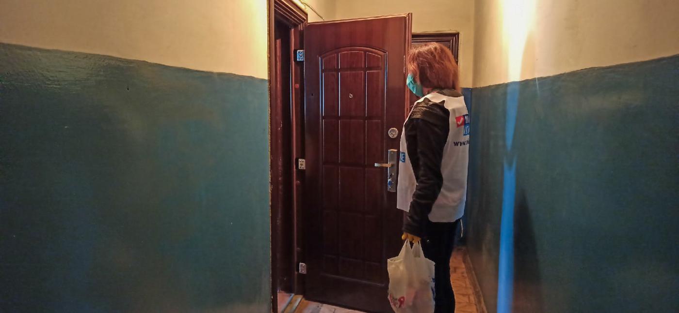 Волонтёры за неделю помогли трём жителям Лутугинского района 2