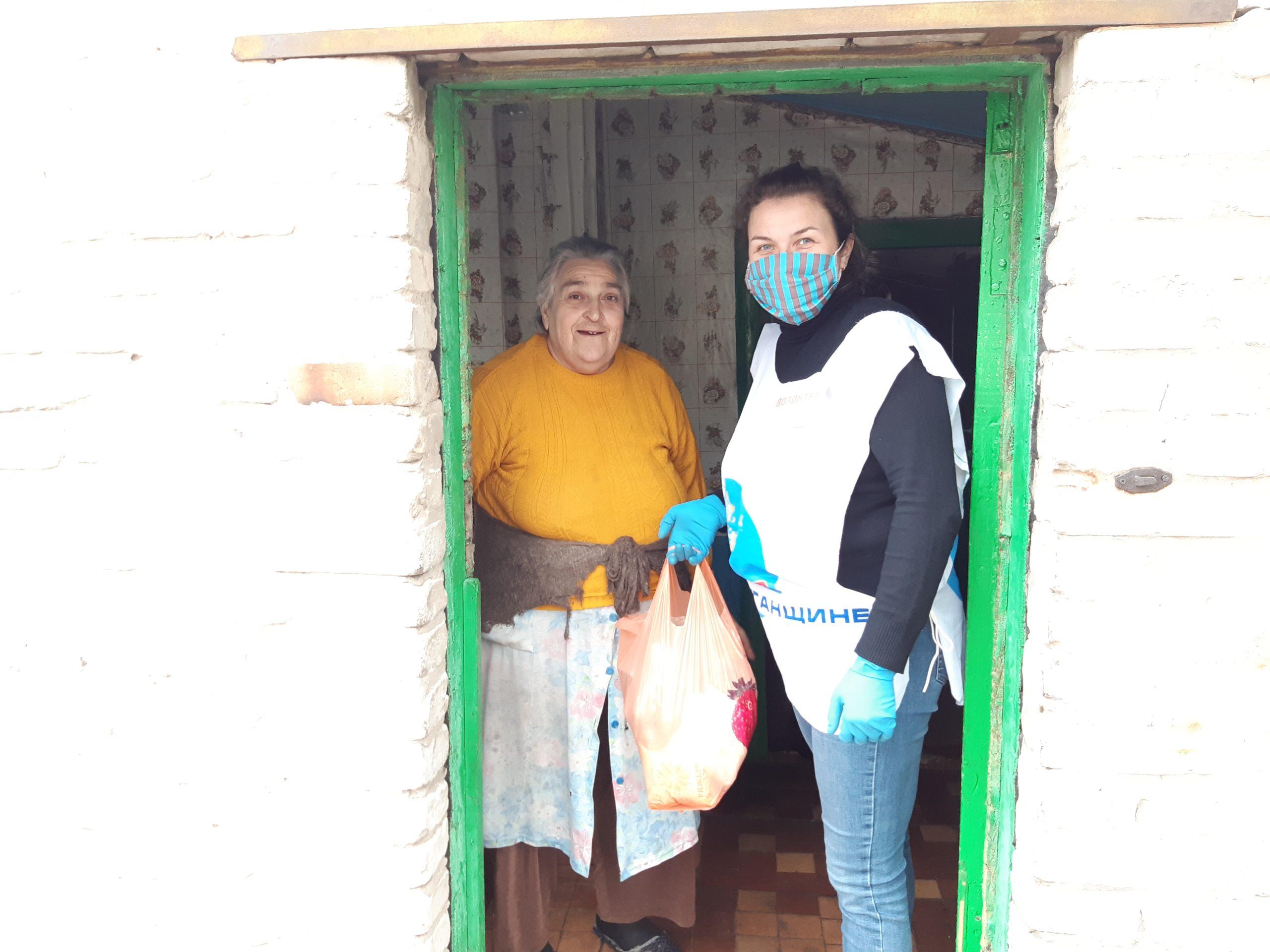 В рамках акции «Рука помощи» волонтёры помогли 11 жителям Перевальского района