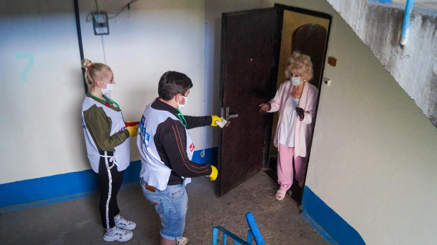 За неделю волонтёры Брянки помогли семи жителям города 1