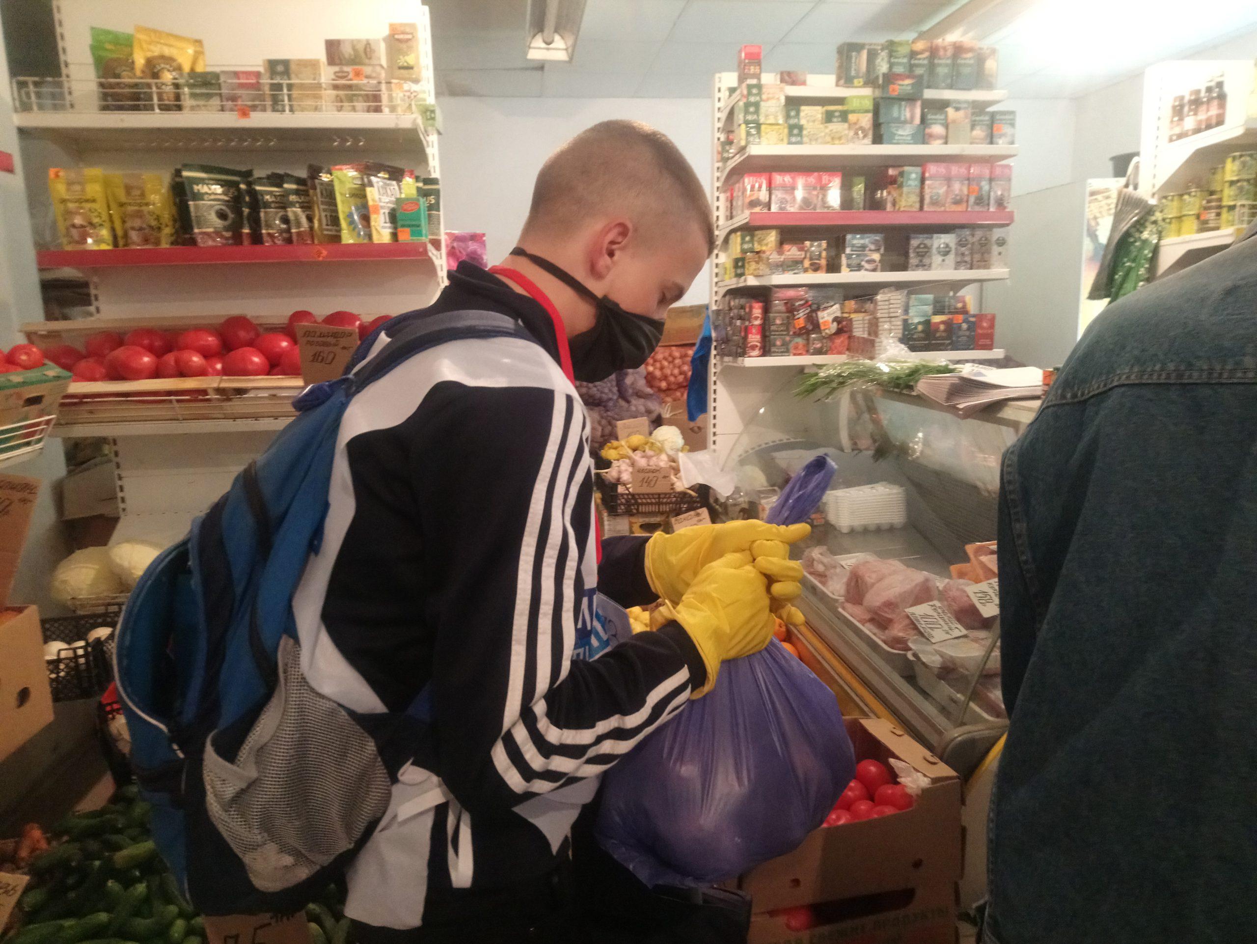 Волонтёры помогли семерым жителям города за неделю