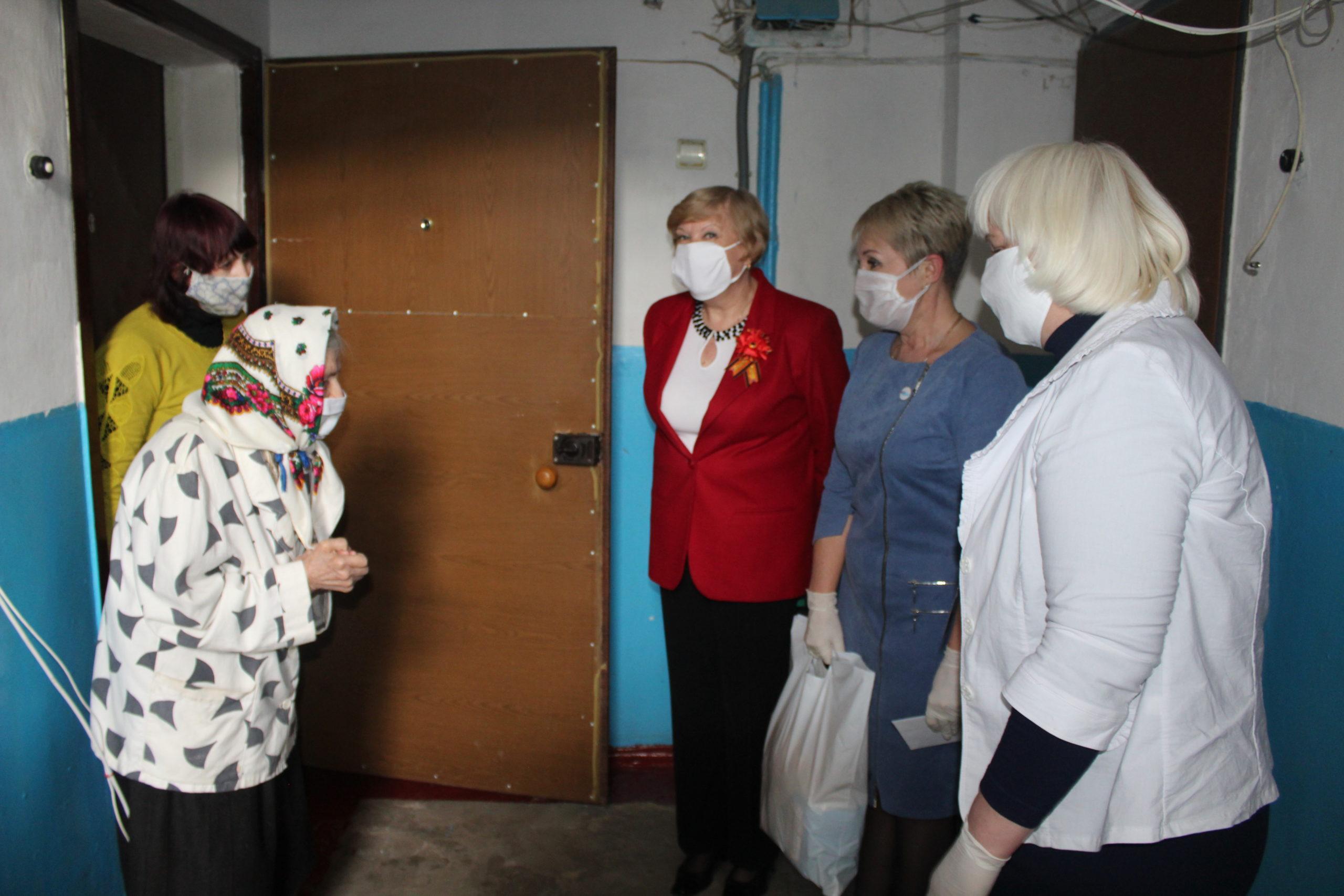В Славяносербско районе поздравили ветеранов педагогического труда