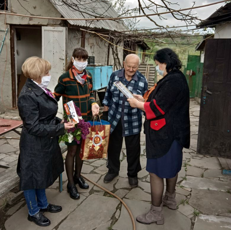 Активисты проекта «Забота о ветеранах» поздравили ветерана Великой Отечественной войны