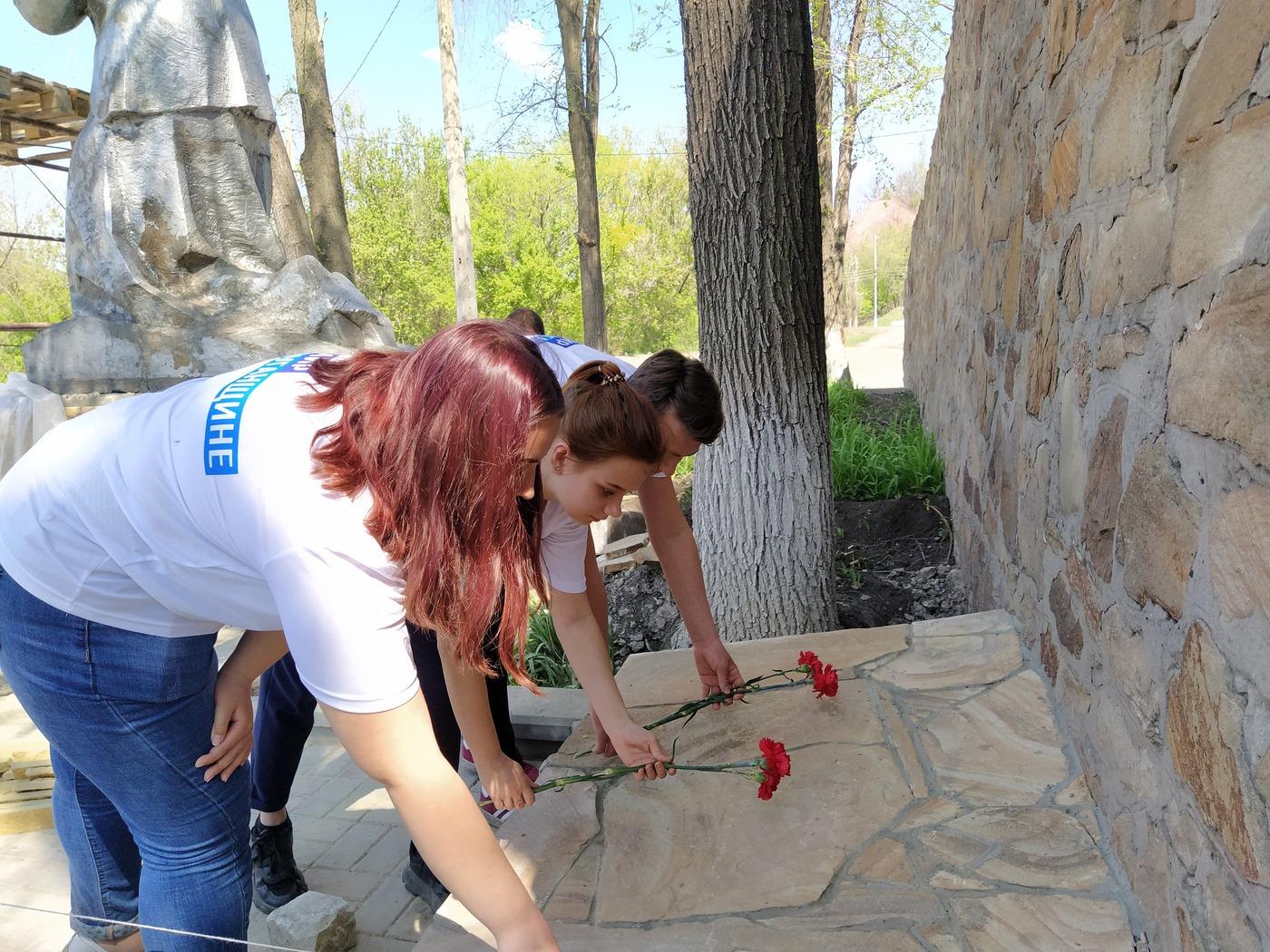 В ЛНР почтили память жертв трагедии в одесском Доме профсоюзов 5