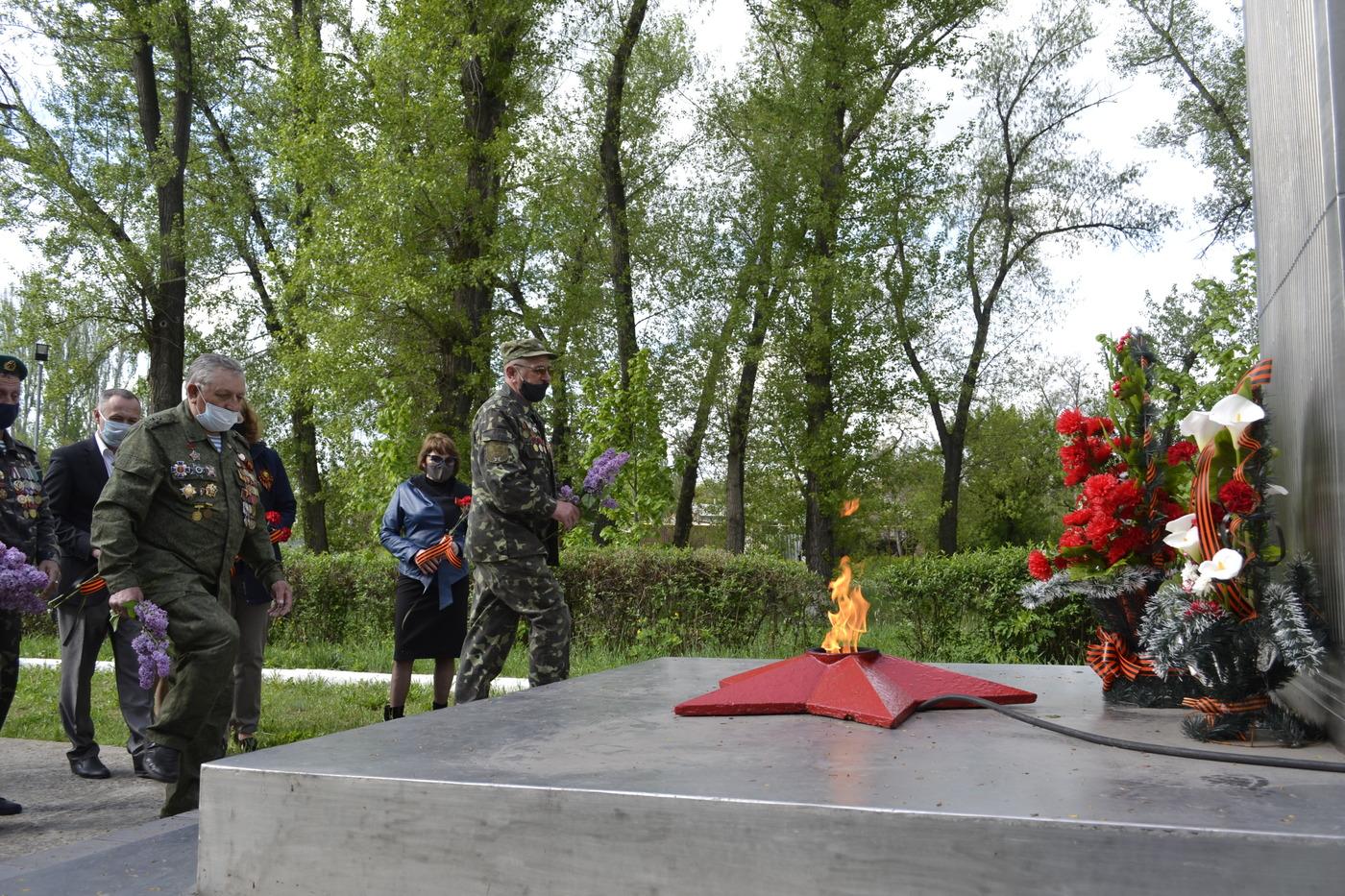 В городах и районах республики почтили память погибших в годы Великой Отечественной войны 12