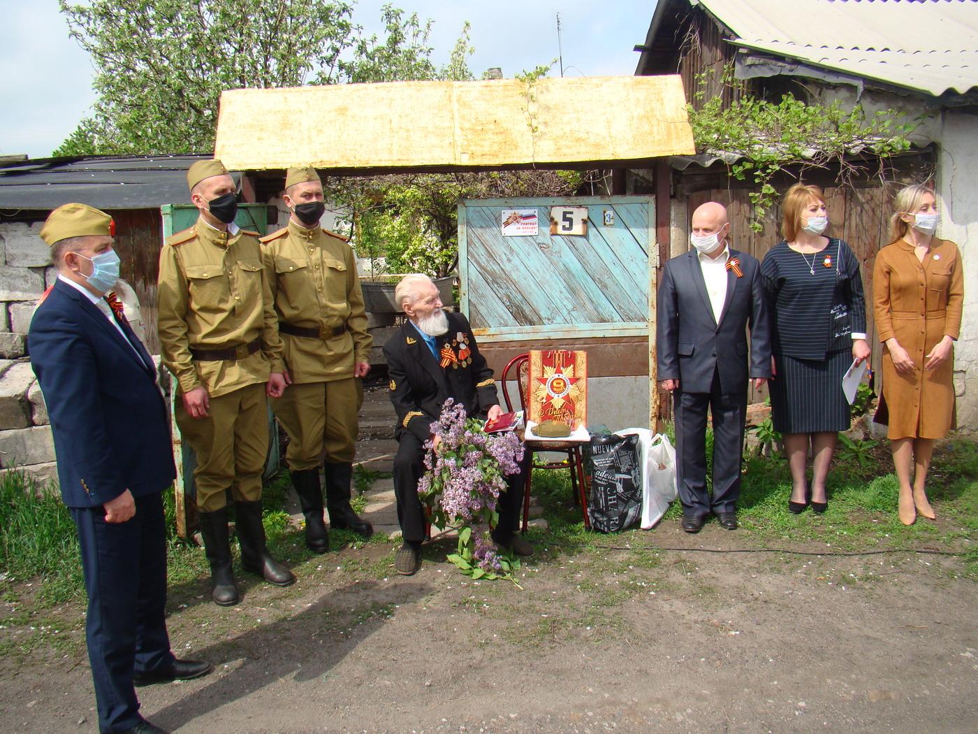 В Перевальском районе провели «Парад для одного солдата»