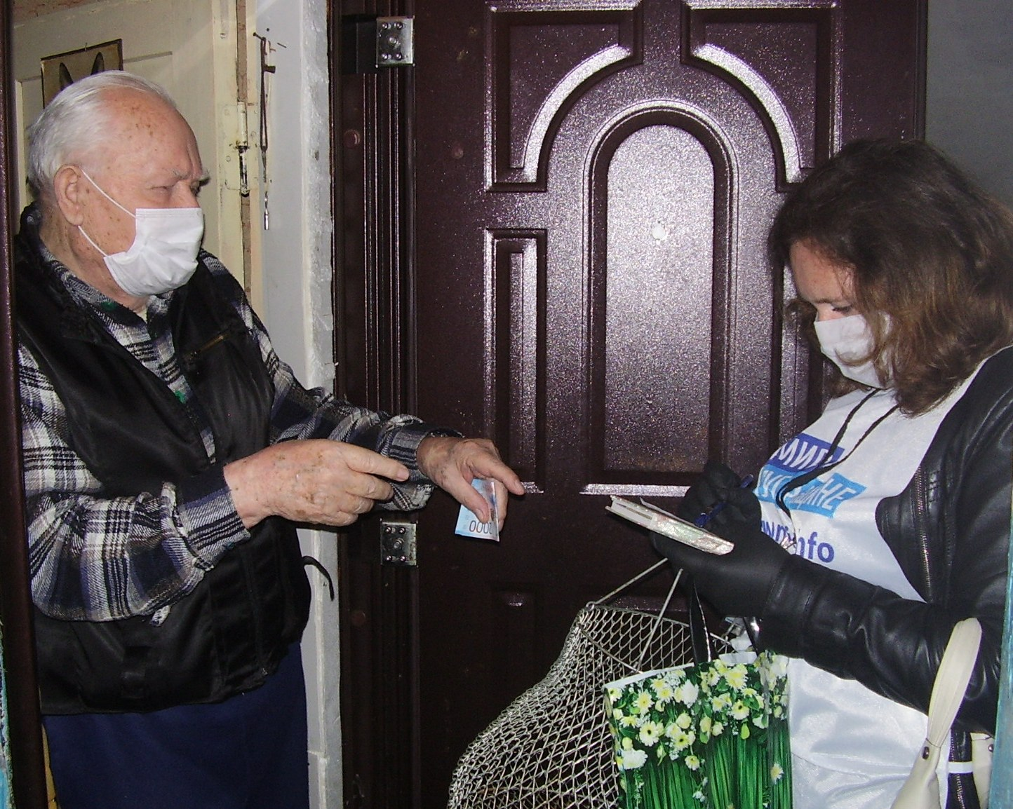 Краснодонские волонтёры помогли шестерым жителям города за неделю 1