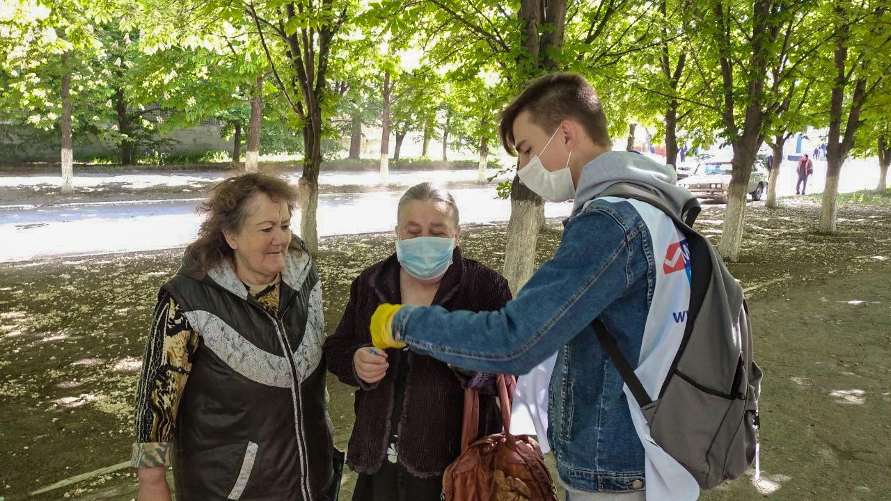 Активисты проекта «Молодая Гвардия» проинформировали жителей Кировска об акции «Стоп наркотикам!» 3