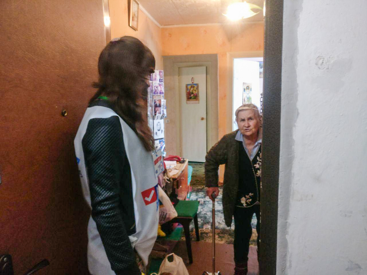 В Первомайске волонтёры помогли трём жителям города 2
