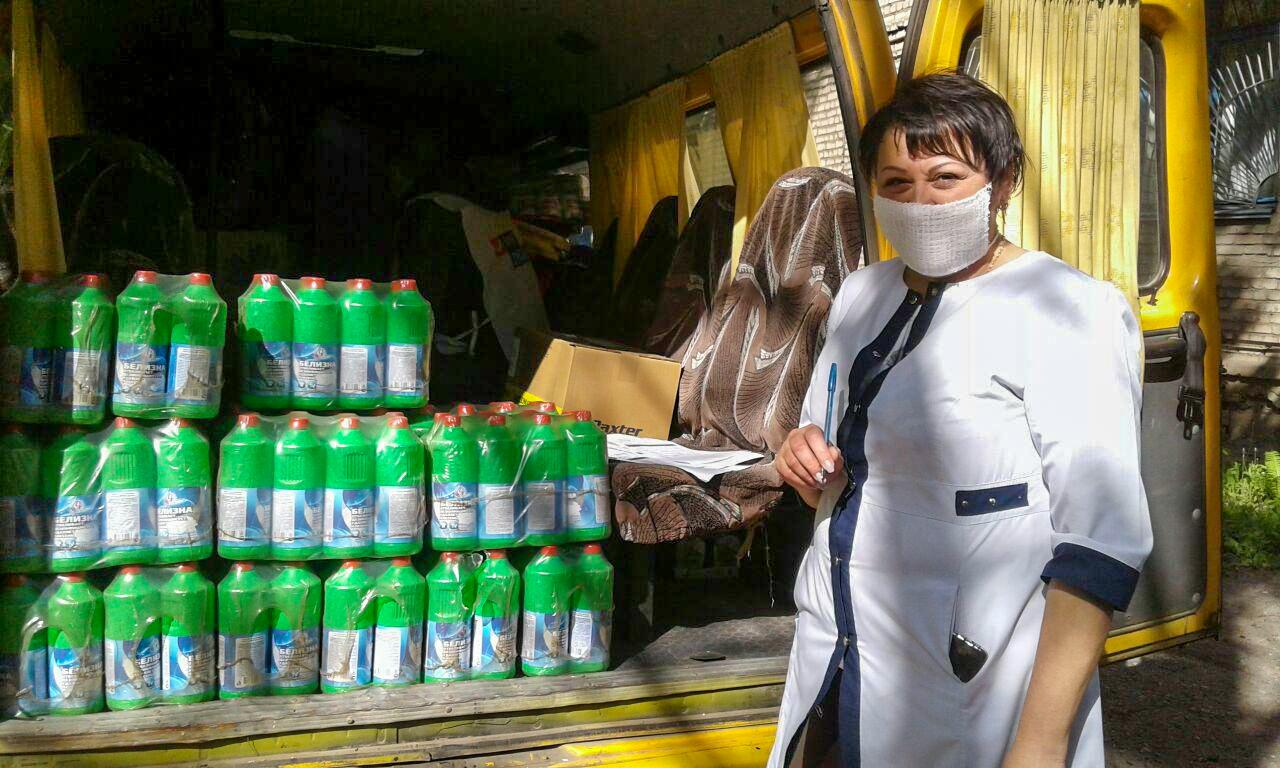 В больницы ЛНР передали средства личной гигиены от проекта «Волонтёр» 7