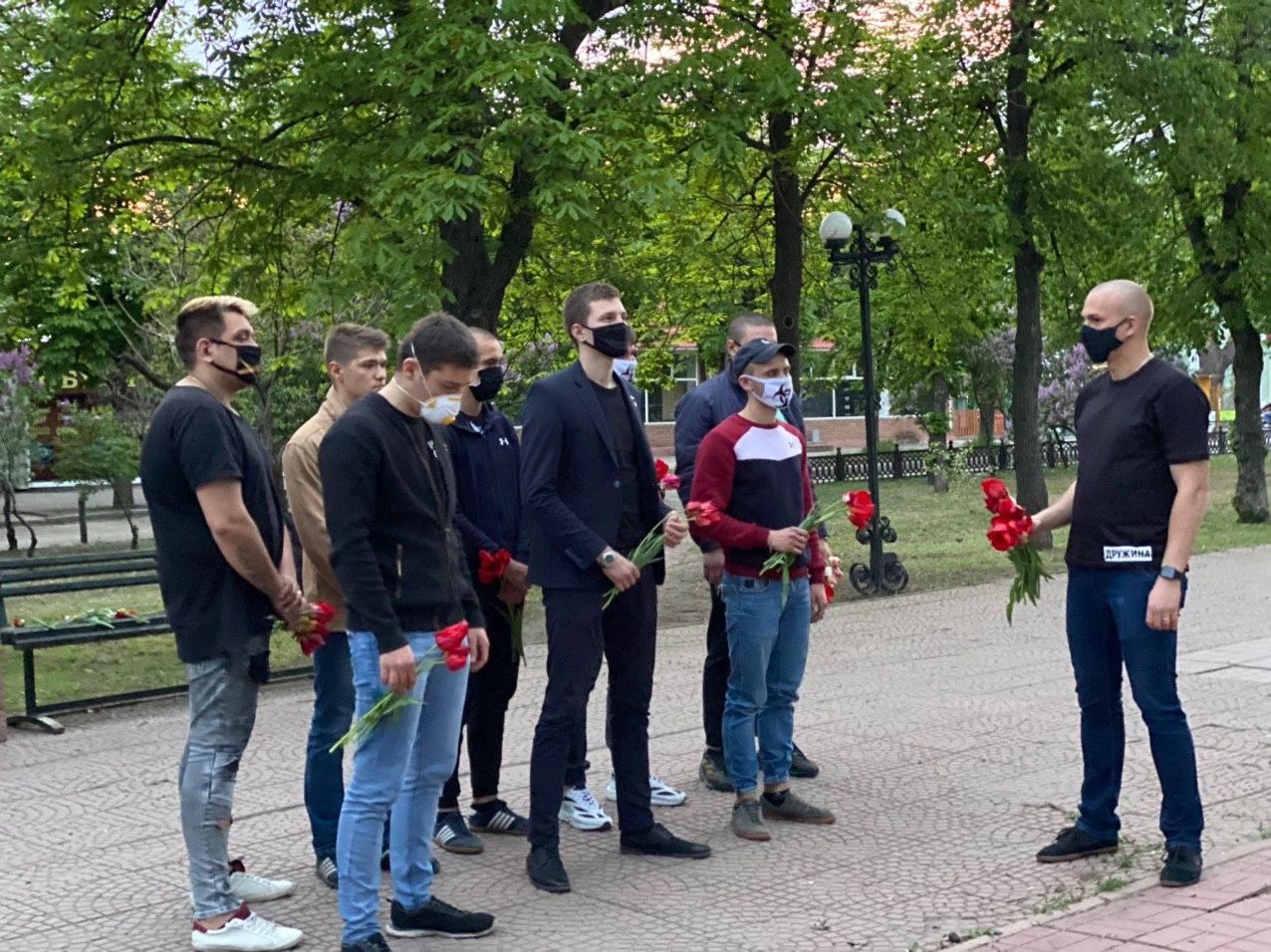 В Луганске провели митинг-реквием в память о погибших в Одессе 1