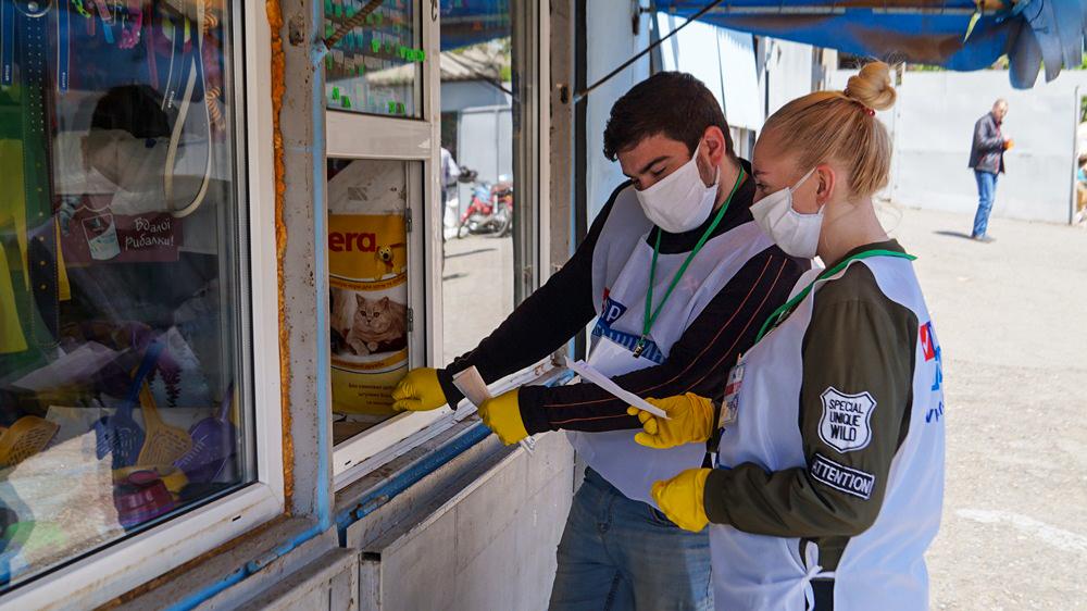 Волонтёры Брянки помогли семи жителям города 2