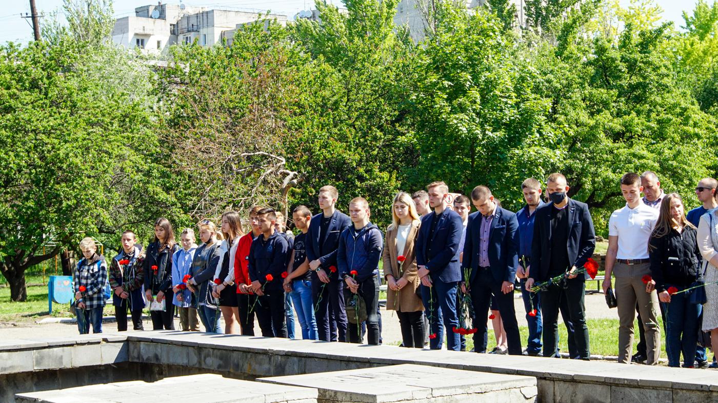 Активисты проектов «Дружина» и «Мы помним!» приняли участие в акции «Не забудем, не простим!» в Луганске 3