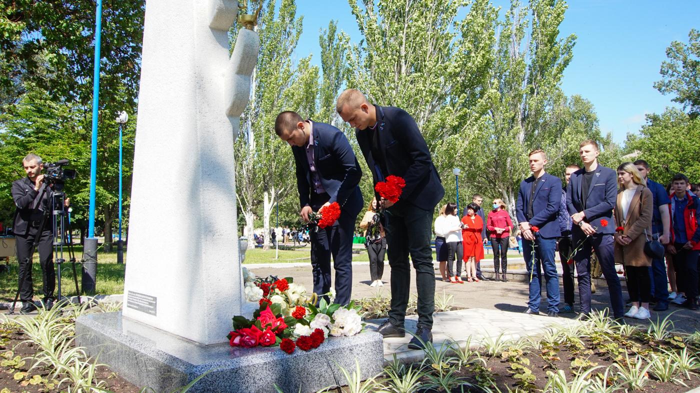 Активисты проектов «Дружина» и «Мы помним!» приняли участие в акции «Не забудем, не простим!» в Луганске 2
