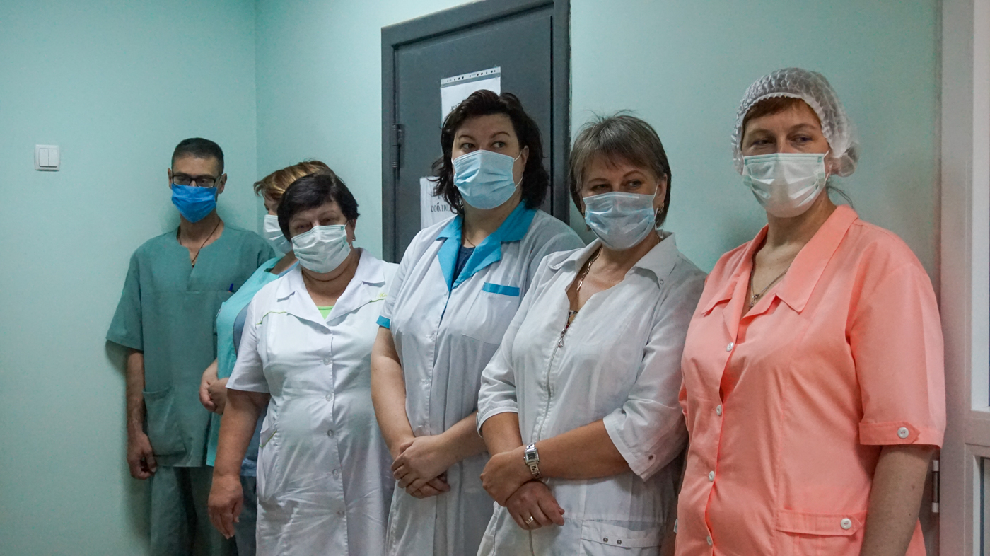 Работникам медицинской сферывыдалипомощьв Луганске 1