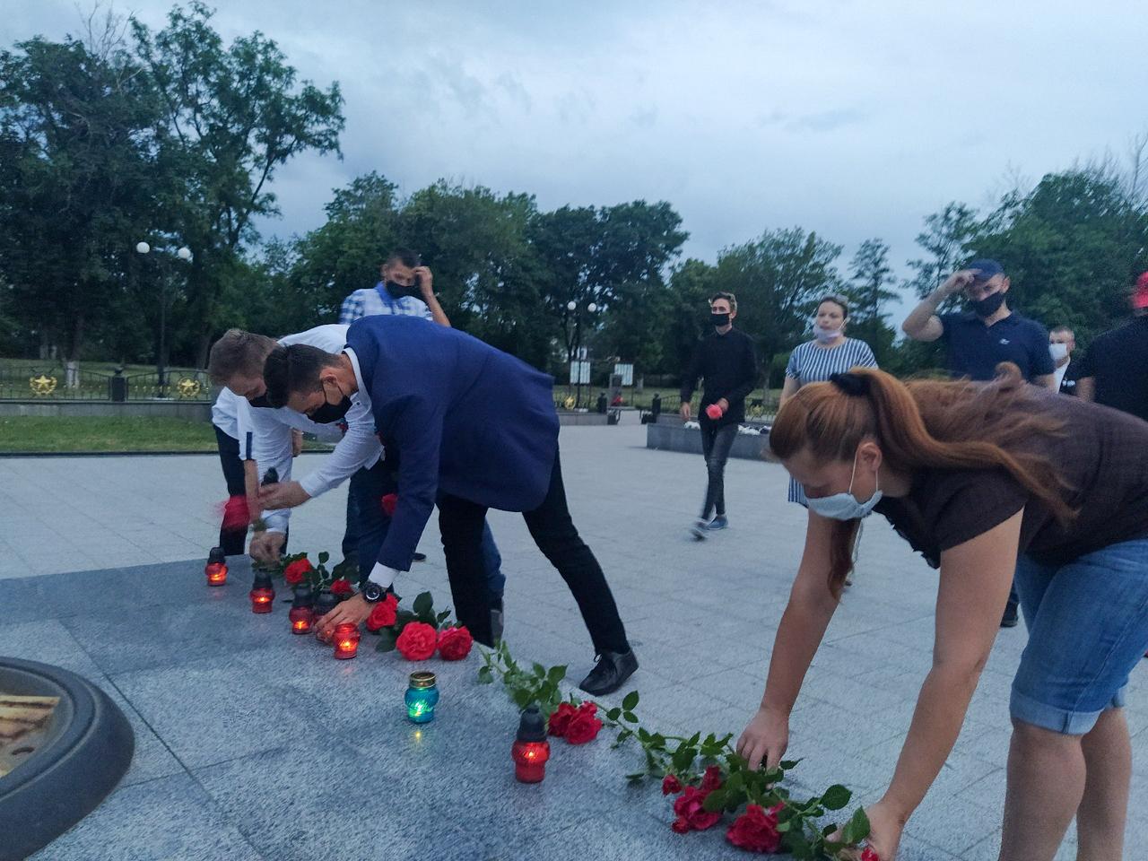 В Свердловске активисты приняли участие в акции «Свеча памяти» 1