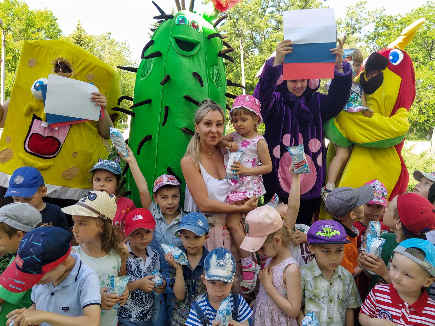 В Перевальске поздравили воспитанников детского сада «Теремок» с Днём России 1