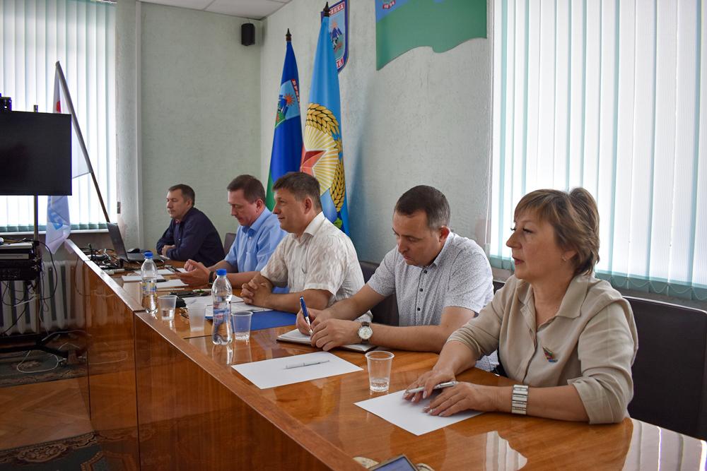 В Брянке обсудили озеленение Луганской Народной Республики 2