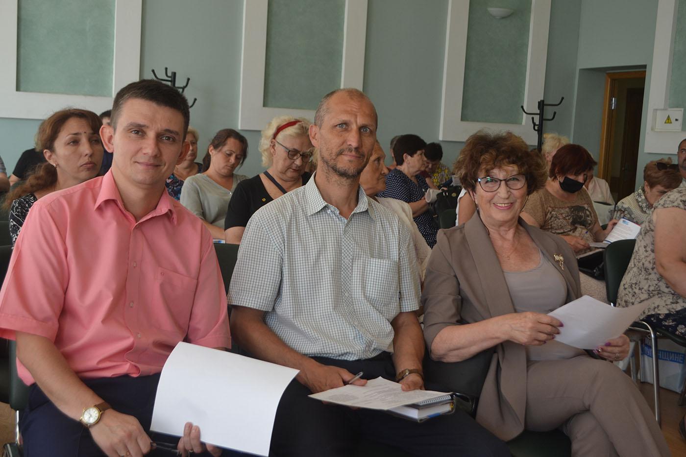 Председатели органов самоорганизации населения Ленинского района Луганска встретились с депутатами от ОД «Мир Луганщине»