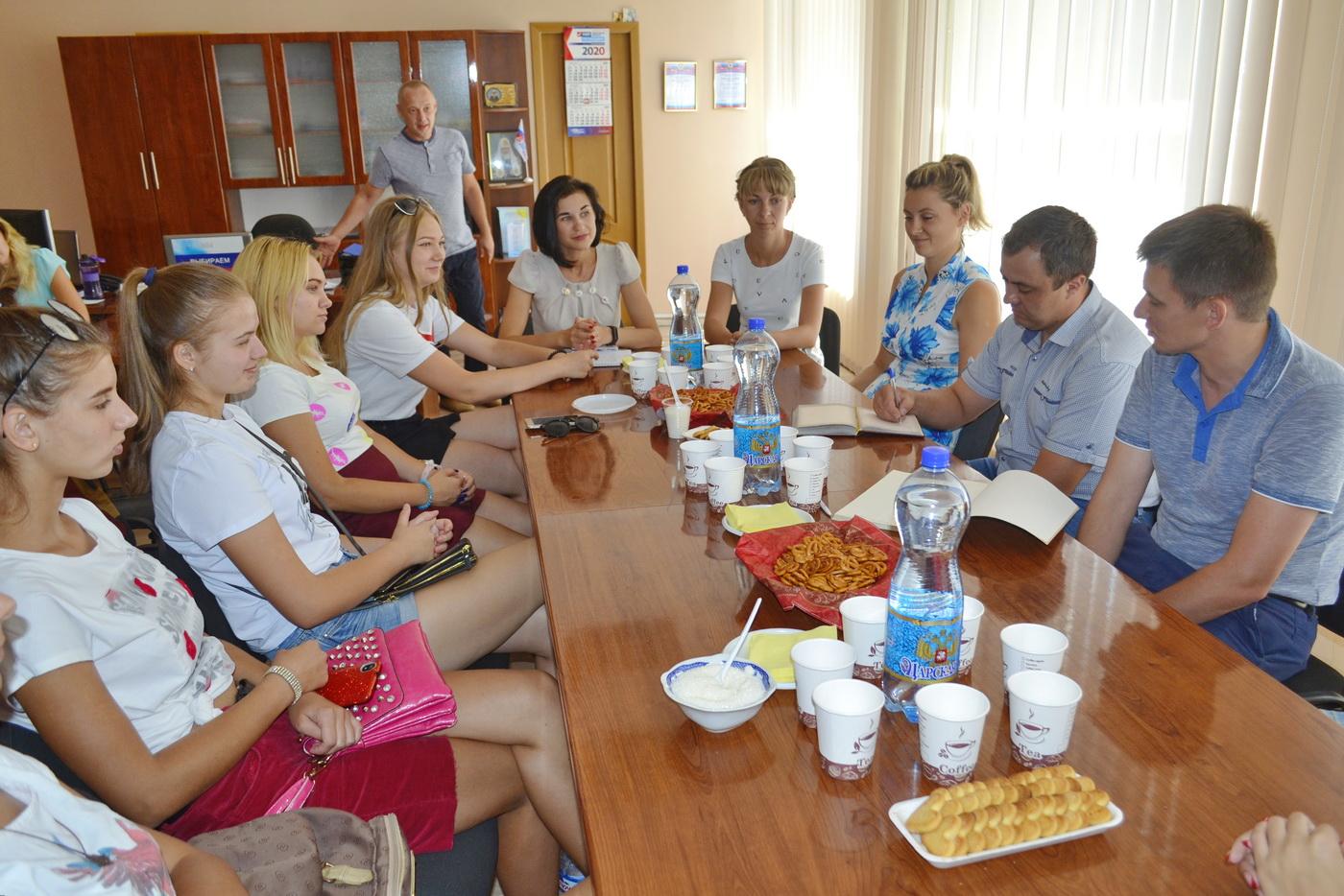 Депутаты Народного Совета ЛНР встретились с молодёжными активистами Лутугино