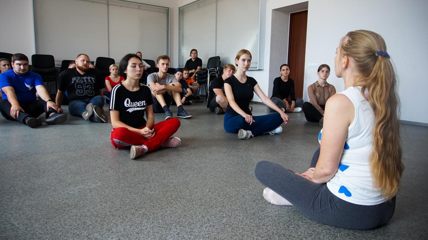 Для координаторов проекта «Молодая Гвардия» из разных городов республики провели тренинг в Луганске 3
