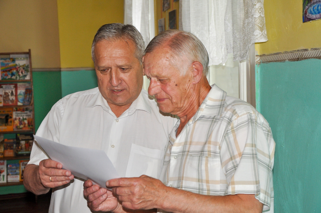 В Ирмино заслуженного шахтёра поздравили с 75-летием 2