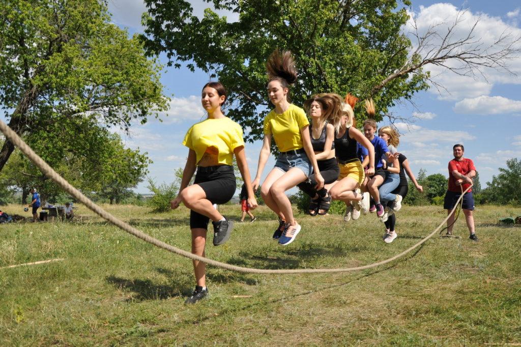 В Стаханове состоялся слёт молодежных активистов, посвященный Международному дню дружбы