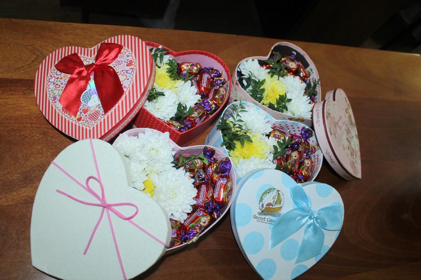 В городах и районах ЛНР активисты ОД «Мир Луганщине» поздравили жителей с Днём семьи, любви и верности 11