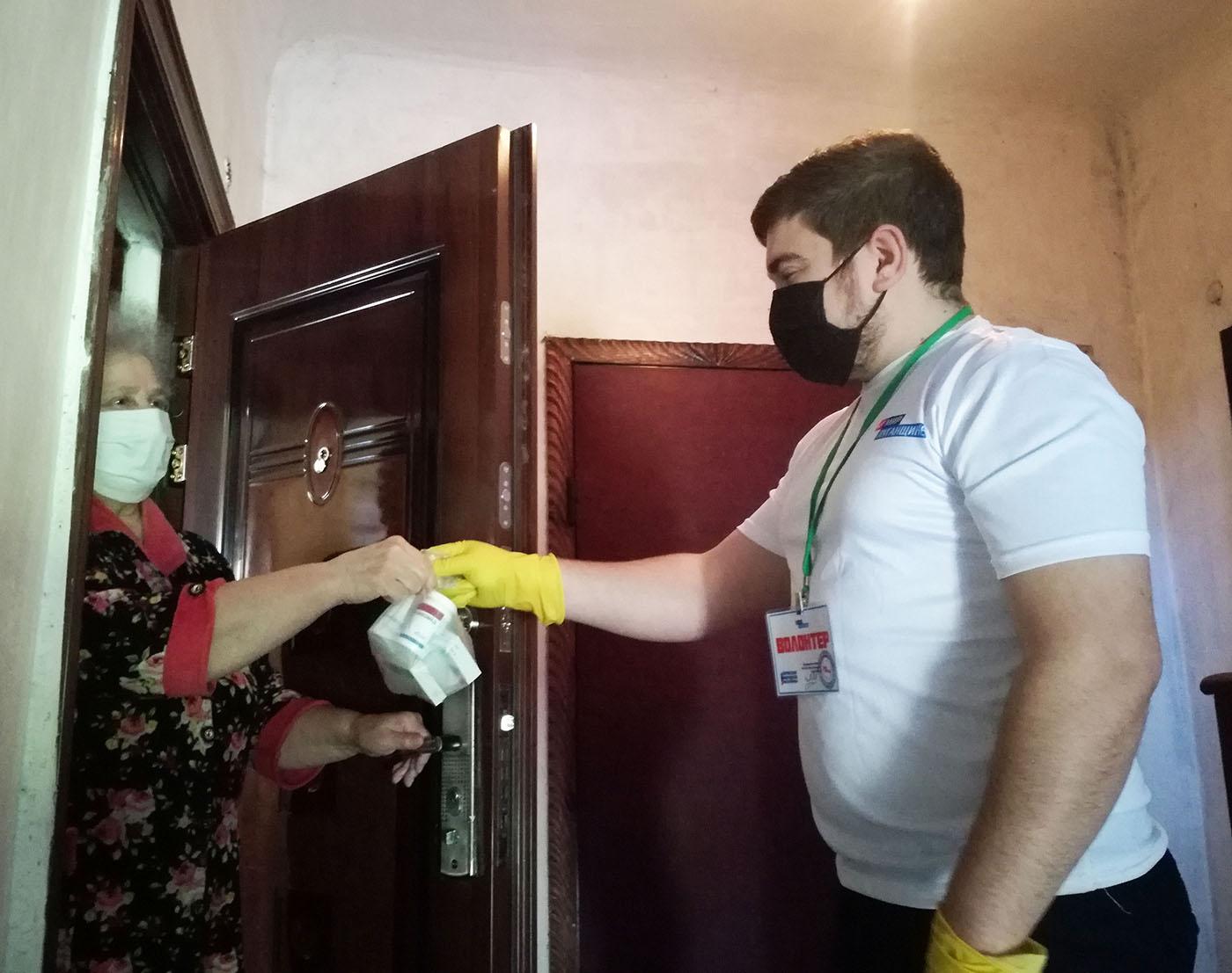 За неделю волонтёры акции «Рука помощи» помогли двум жителям Брянки