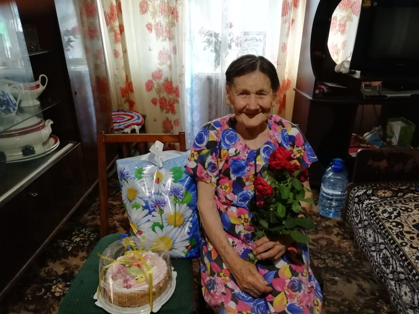 В Славяносербске поздравили участника трудового фронта с днём рождения