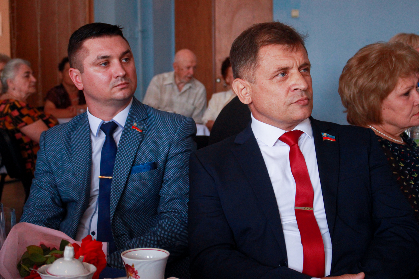 Ветеранов труда Алчевского металлургического комбината поздравили с профессиональным праздником 5