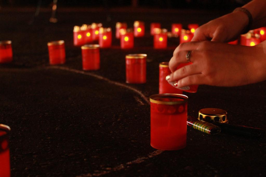 Активисты ОД «Мир Луганщине» зажгли лампады в память о погибших шесть лет назад
