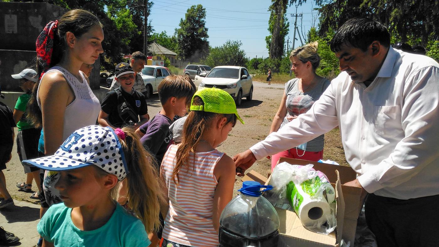 В посёлке Большая Вергунка активисты ОД «Мир Луганщине» благоустроили сквер  2