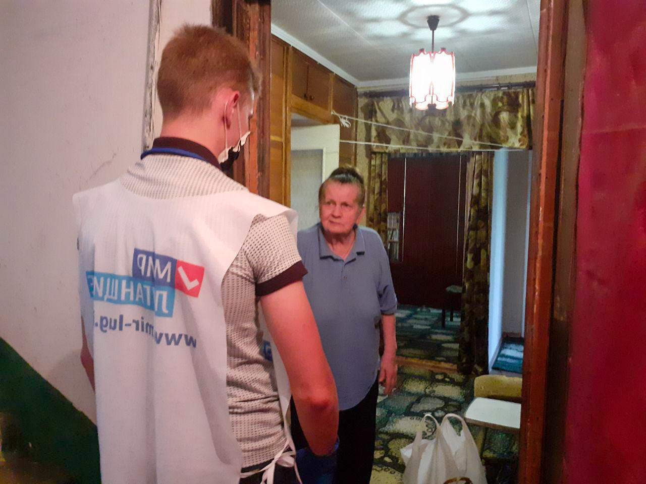 Волонтёры акции «Рука помощи» за неделю помогли 31 жителю ЛНР