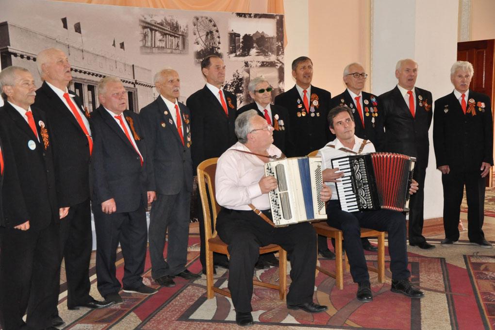 В Стаханове состоялось торжественное собрание, посвящённое Дню города и Дню шахтёра