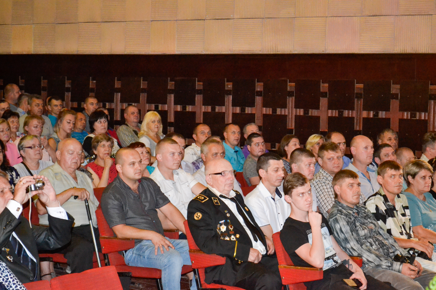 Ко Дню шахтёра в посёлке Белореченский провели праздничный концерт 5