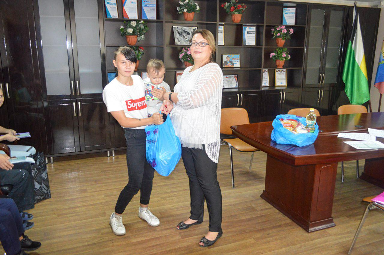 В рамках проекта «Волонтёр» активисты помогли всем нуждающимся семьям в Свердловске
