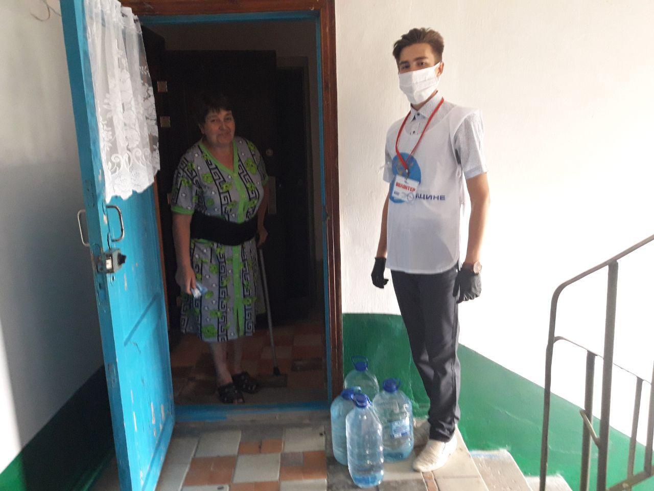 Волонтёры акции «Рука помощи» помогли жительнице Кировска