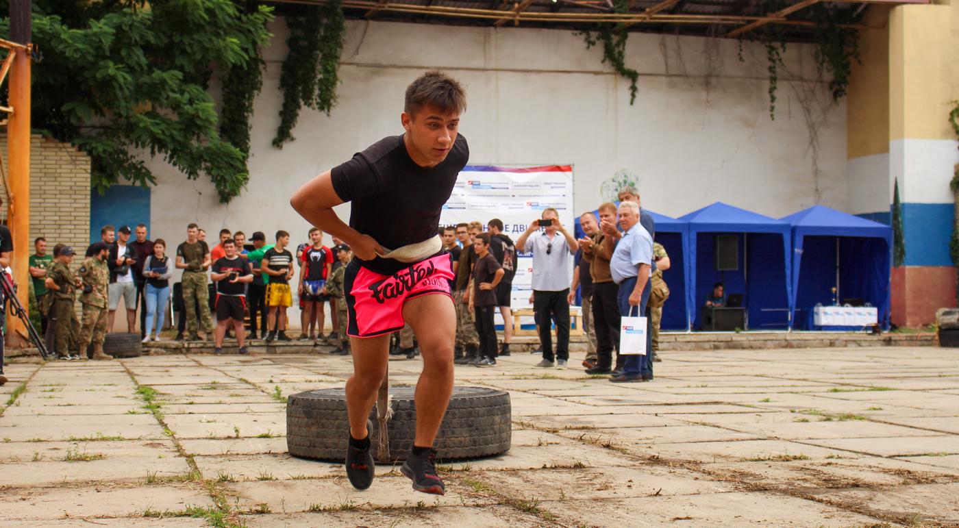 В Луганске прошли «Богатырские игры», посвящённые Дню воздушно-десантных войск 2
