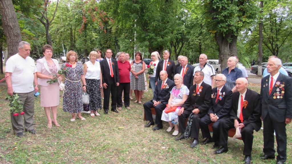 В Стаханове открыли мемориальную доску Почётному гражданину города Ивану Захарченко