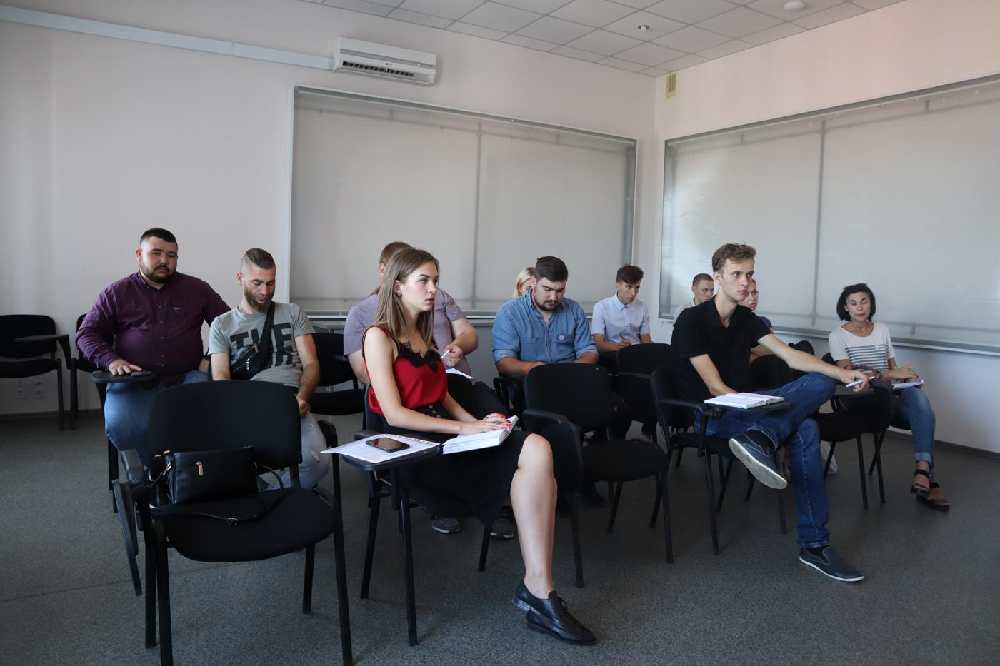 В Луганске провели тренинг для координаторов теротделений по общению и работе с населением