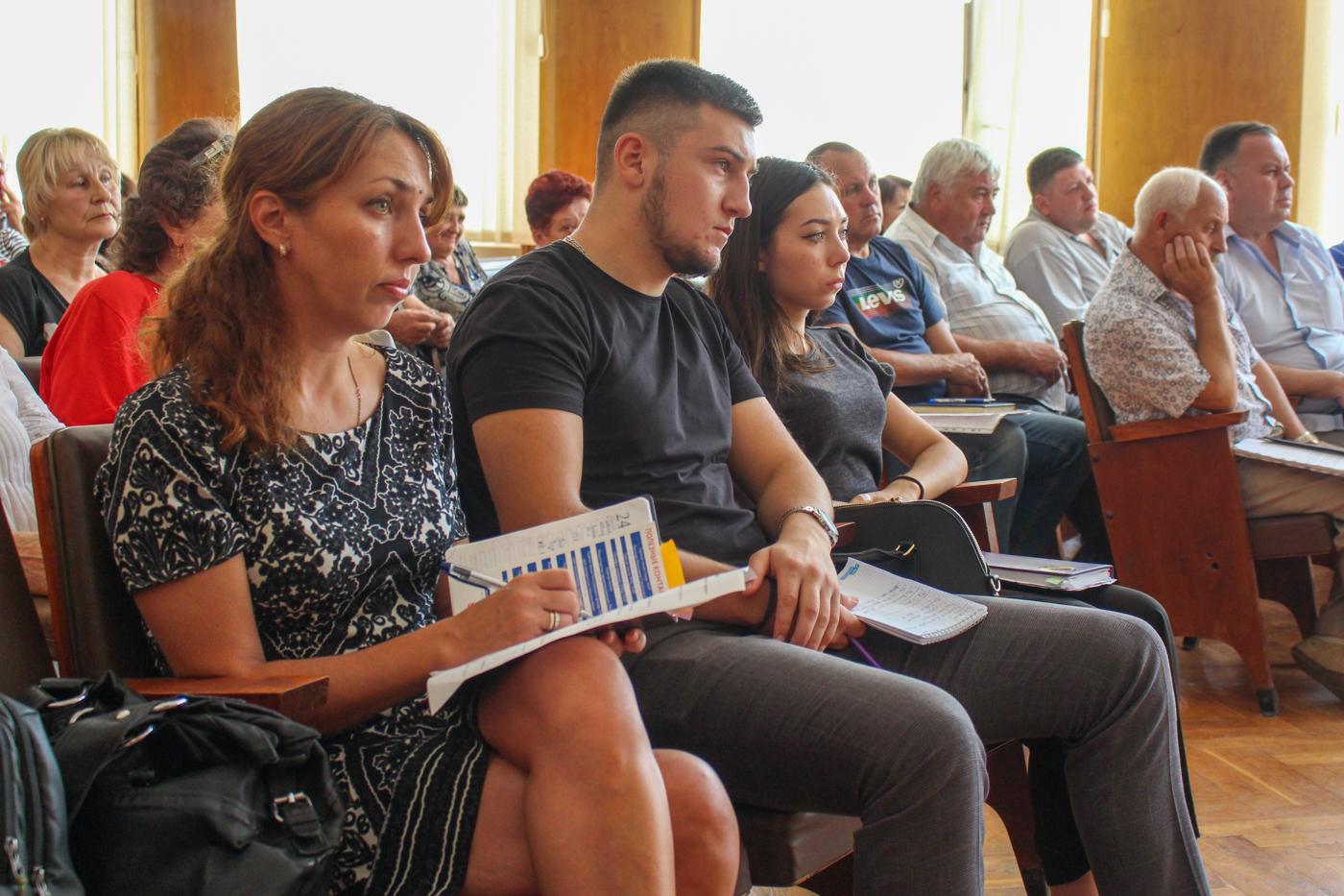 Встреча с председателями органов самоорганизации населения прошла в прифронтовом Первомайске 2