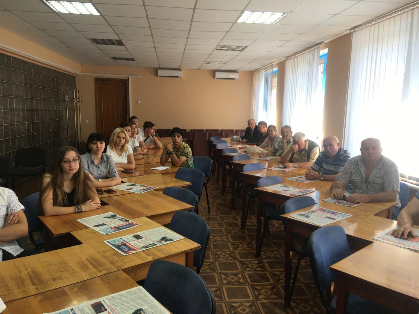 В Красном Луче активисты ОД «Мир Луганщине» встретились с шахтёрами 2